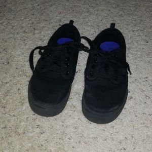 Boys faded glory black canvas tennis shoes 13